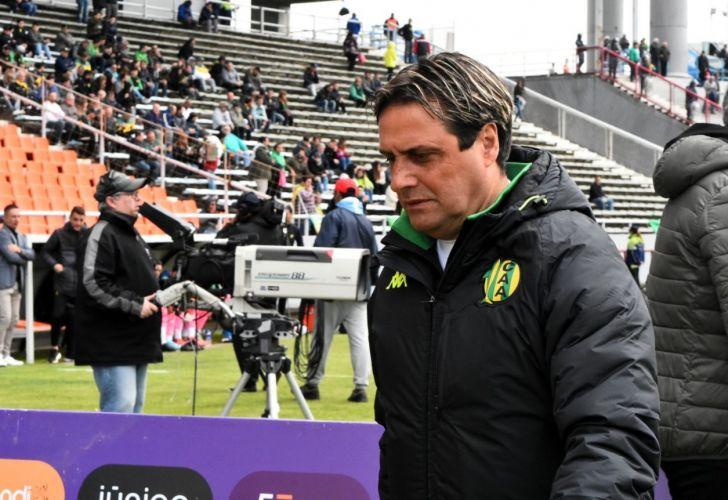 Guillermo Hoyos no es más el director técnico de Aldosivi