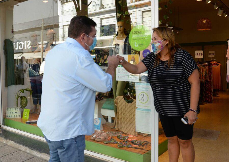 Seguridad: Comerciantes de calle San Juan recibieron botones de alerta