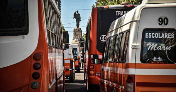 La gestión de Montenegro propone bonificar 100% del pago de patente a los transportistas escolares